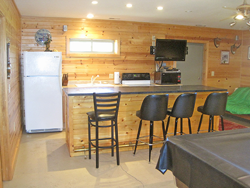 768 sq ft Home 1 Bedroom, 1 Bath on 14.68± Acres w/24×33 out building, Recreational & Hunting Ground, Portable Deer Blind. * Ford Tractor w/Loader, Implements, John Deere Riding Mower, Shop Tools, Furniture, Collectibles